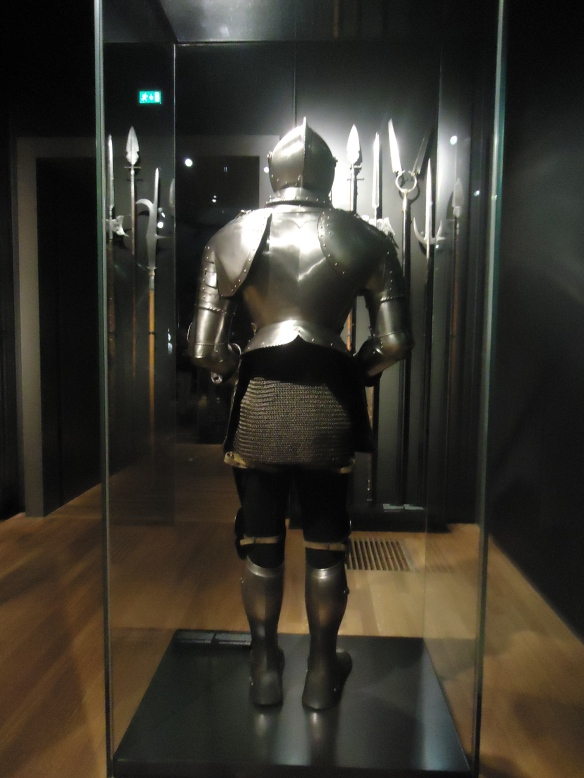 The Rijksmuseum owns 175 full suits of armour and individual pieces.