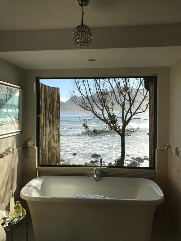 CT TOTT Tintswalo bath pic 4.jpg